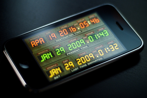 iphone-delorean-time-machine