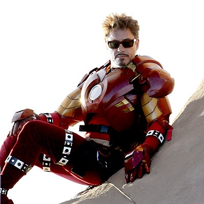 robert-downey-junior-in-iron-man-2-suit-mark-2