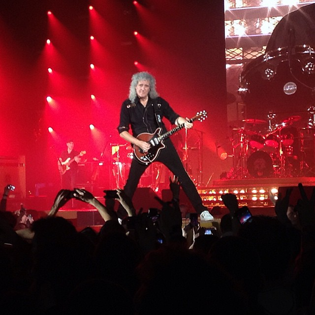 #BrianMay #Queen #GuitarHero #Zenith #ZenithParis #RedSpecial